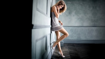 Wallpaper : 1920x1080 px, Against Wall, blonde, Doutzen Kroes, high heels, model, white dress ...