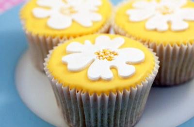 Lemon cupcakes recipe - goodtoknow