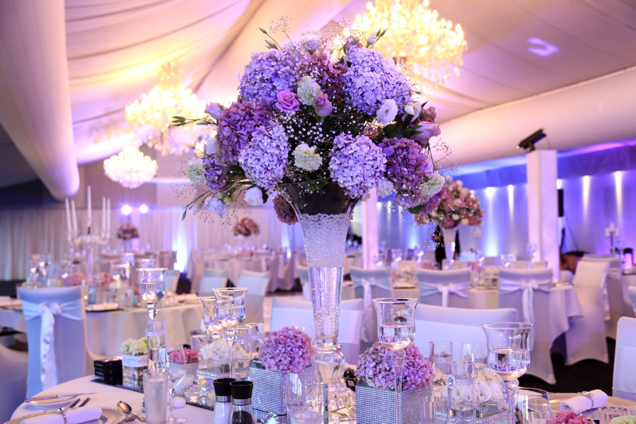 wedding table centerpieces that are simple wedding table centerpieces Floating Candles