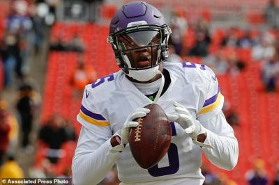 Vikings now must decide between Keenum and Bridgewater at QB | Daily Mail Online