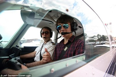 Australian teen becomes one of the youngest to fly a plane solo at just 15 | Daily Mail Online