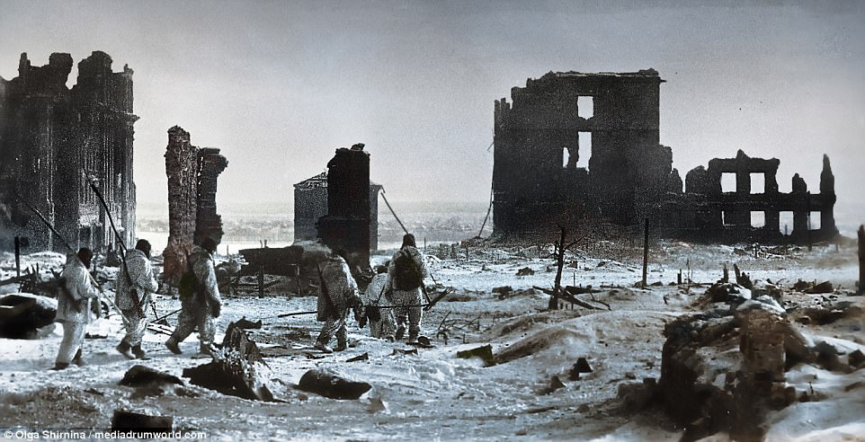 Battle of Stalingrad in colour 75 years later   Daily Mail Online The Battle of Stalingrad commenced on August 23  1942 then lasted until  February 2