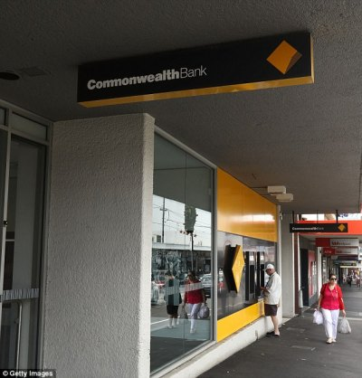 Sydney mum blasts Commonwealth after son secures loan | Daily Mail Online