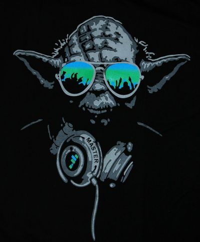 Yoda DJ Hip Hop Jedi Master Headphones Green Glasses Man star wars T-shirt (L) | eBay