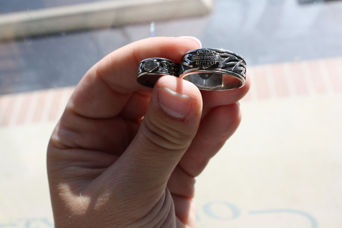 his and hers wedding rings sets harley davidson wedding rings Harley Davidson 10 KT White Gold His Hers Wedding Bands
