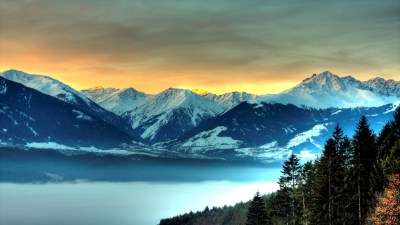 15 Beautiful Wallpapers Of Mountains and Rivers