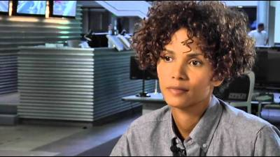 The Call Interview - Halle Berry - YouTube