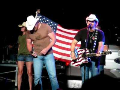 Toby Keith and Trace Adkins - The Angry American - YouTube