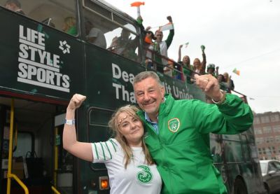 Life Style Sports recreated the Italia '90 homecoming bus ...