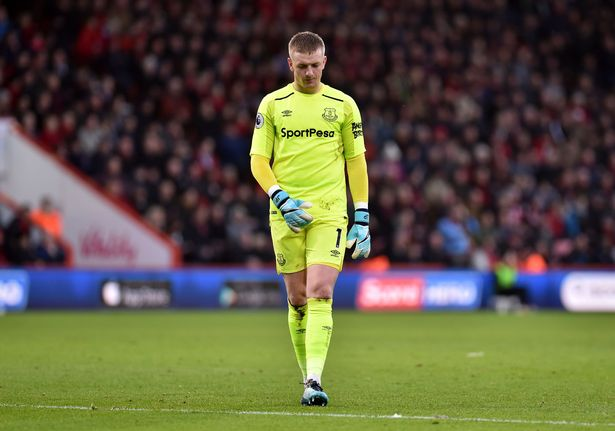 Everton players have let Jordan Pickford down  says Sam Allardyce     Everton goalkeeper Jordan Pickford appears dejected after conceding the  opening goal against Bournemouth