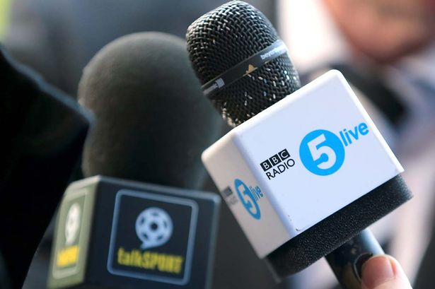 BBC news and sports station Radio 5 Live has shed 960 000 listeners     BBC Radio 5 live