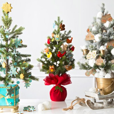 12 Creative Christmas Tree Decorating Ideas | Hallmark Ideas & Inspiration