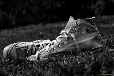 Converse HD Wallpaper | Background Image | 2000x1339 | ID:502271 - Wallpaper Abyss