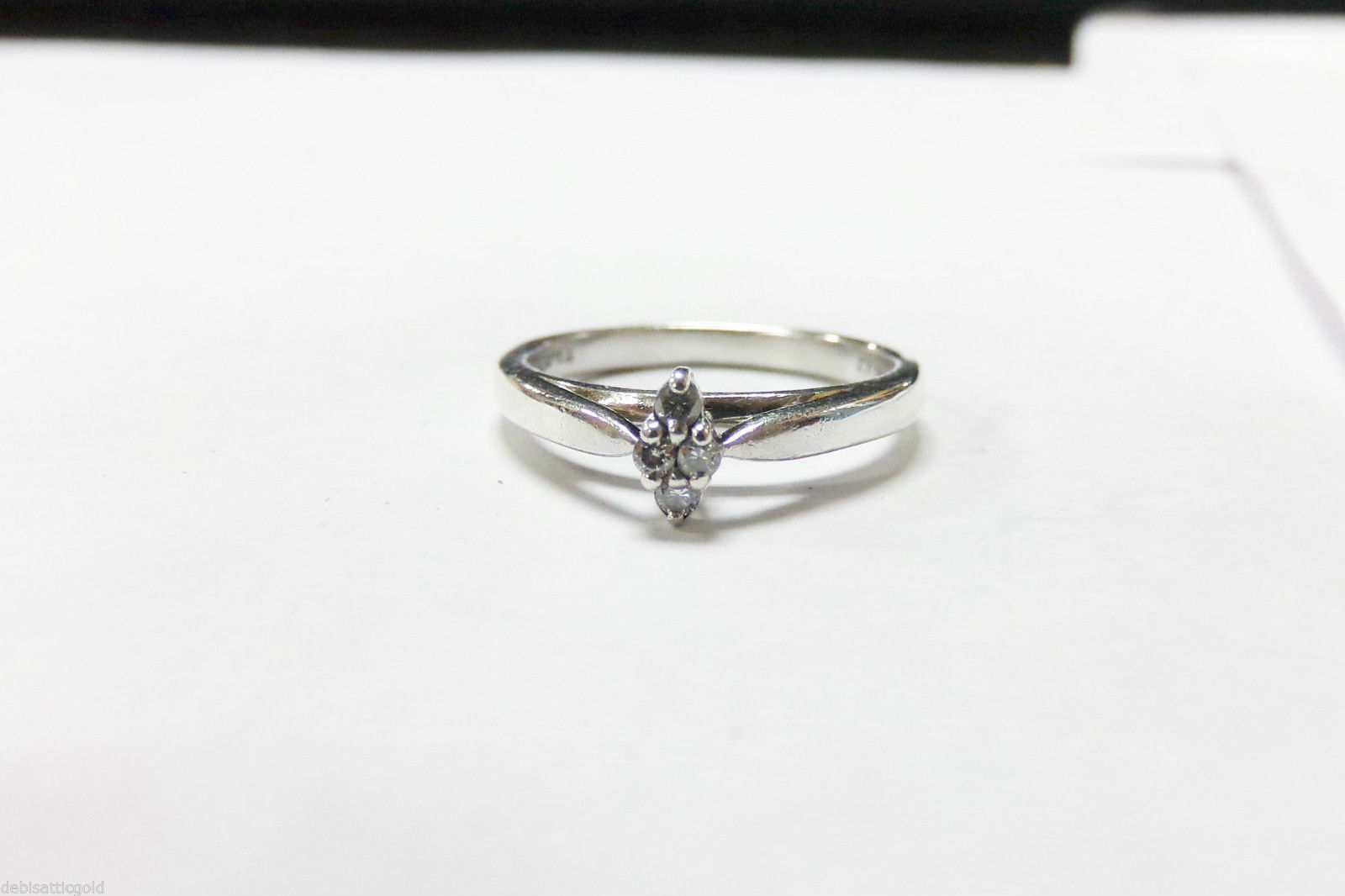 zales womens wedding rings Vera Wang Love Collection Princess Cut Double Twist Frame Engagement Ring The pictures on the Zales