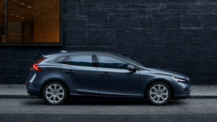 New Volvo V40   West Midlands   South West   Johnsons Volvo You can find Johnsons Volvo all across the West Midlands and South West   Our showrooms are located in Solihull  Gloucester  Oxford and Swindon