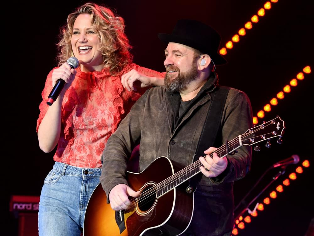 Listen to Sugarland s New Song     Babe     Featuring Taylor Swift     Listen to Sugarland s New Song     Babe     Featuring