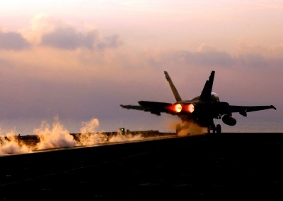 125 McDonnell Douglas F/A-18 Hornet HD Wallpapers | Background Images - Wallpaper Abyss