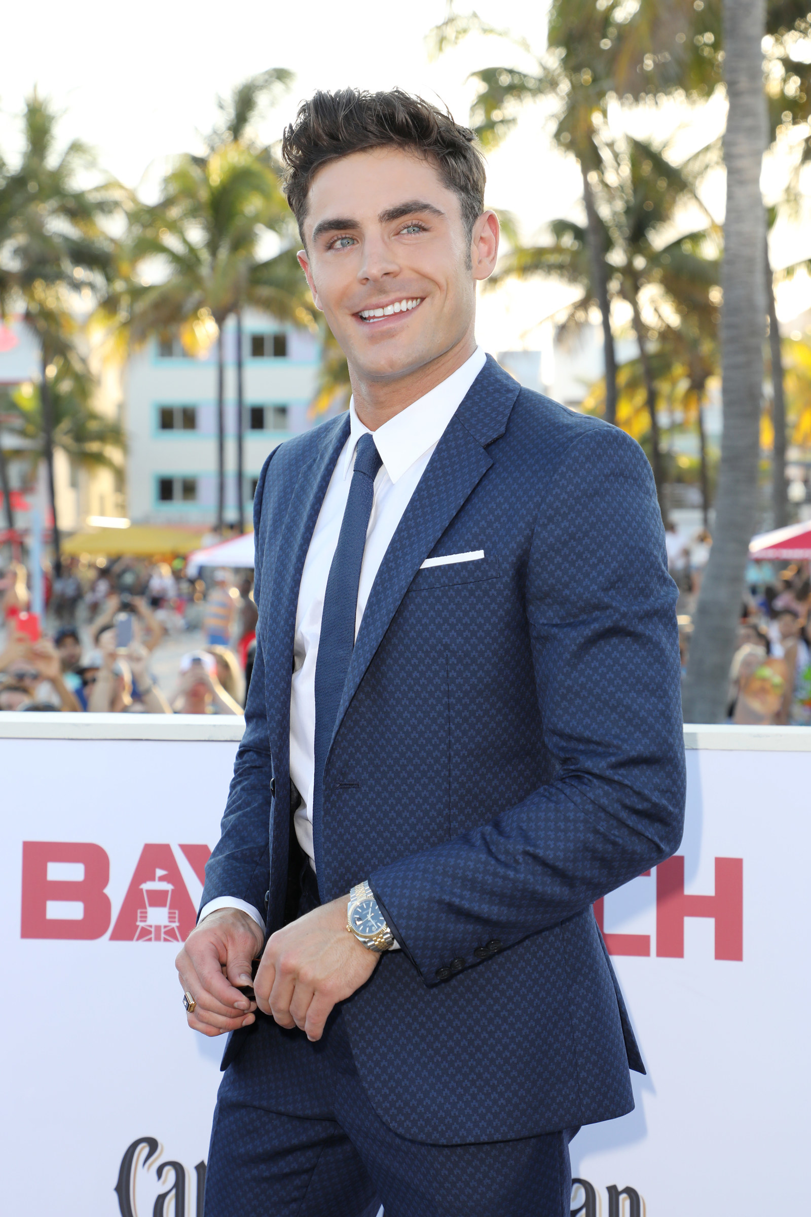 Just A Reminder That Zac Efron Has A Really Hot Brother Hi  it s me  Cap n obvious here to say that Zac Efron is hot  DUH