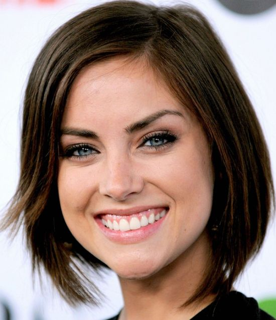 Jessica Stroup Brunette Bob   Casual  Everyday   Careforhair co uk Jessica Stroup Brunette Bob  Jessica Stroup s dark brown hair