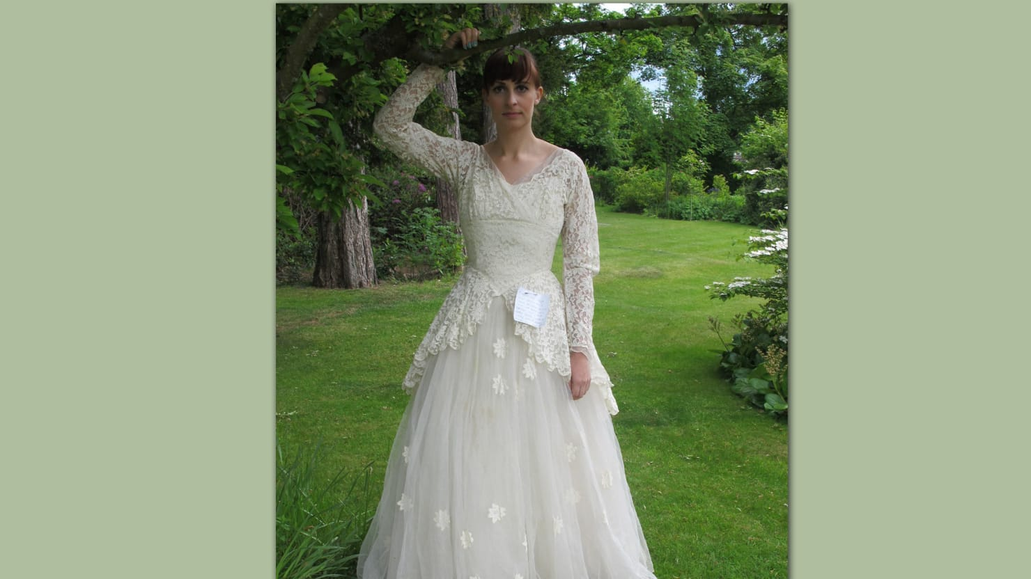 the story behind this ebay wedding dress will make you cry ebay wedding dress