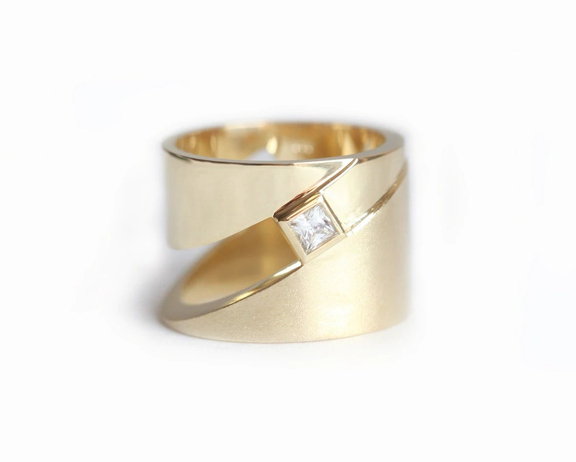 geometric ring modern gold ring wide wide wedding bands zoom