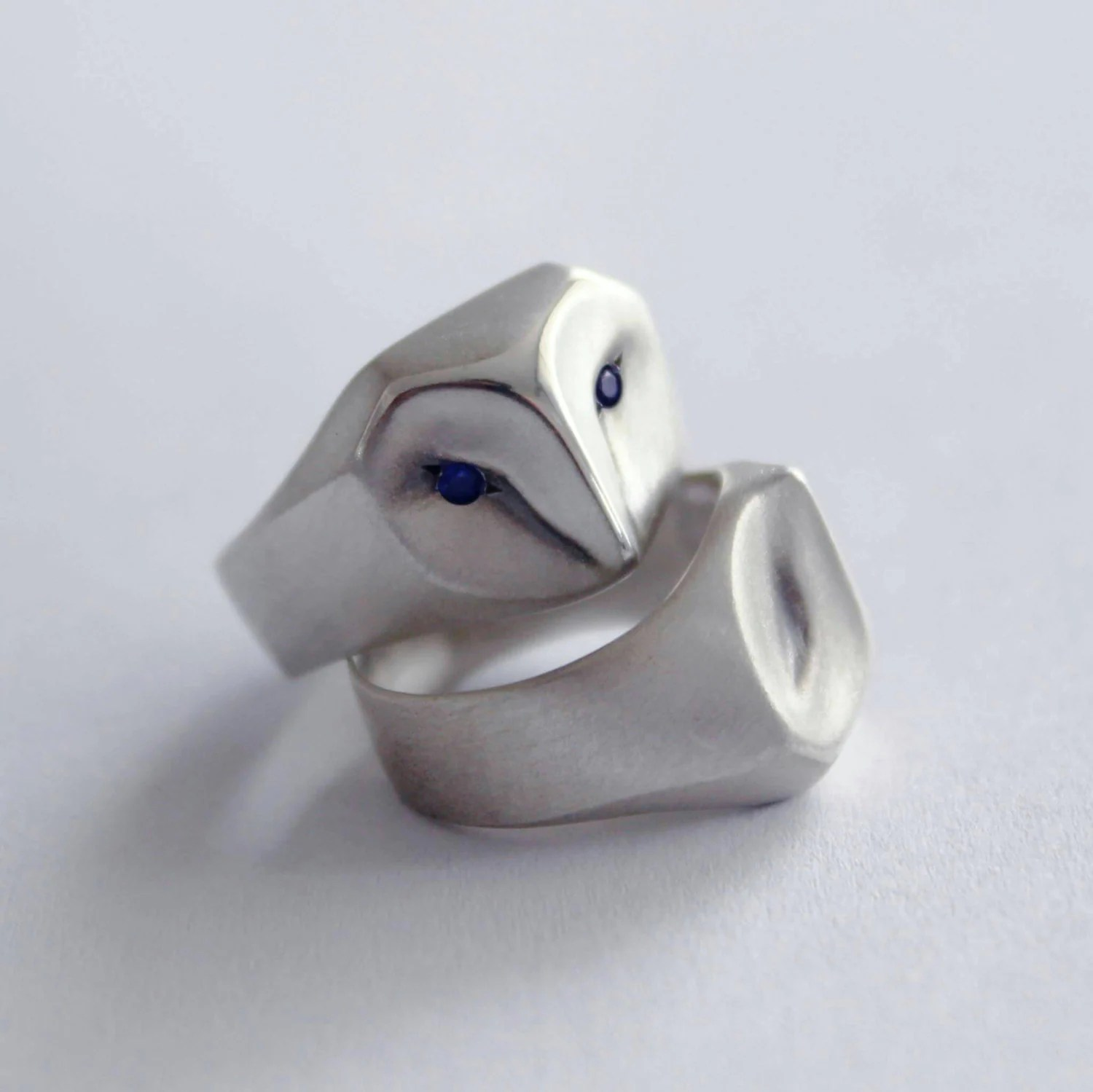 owl ring with blue sapphire eyes barn owl wedding ring zoom