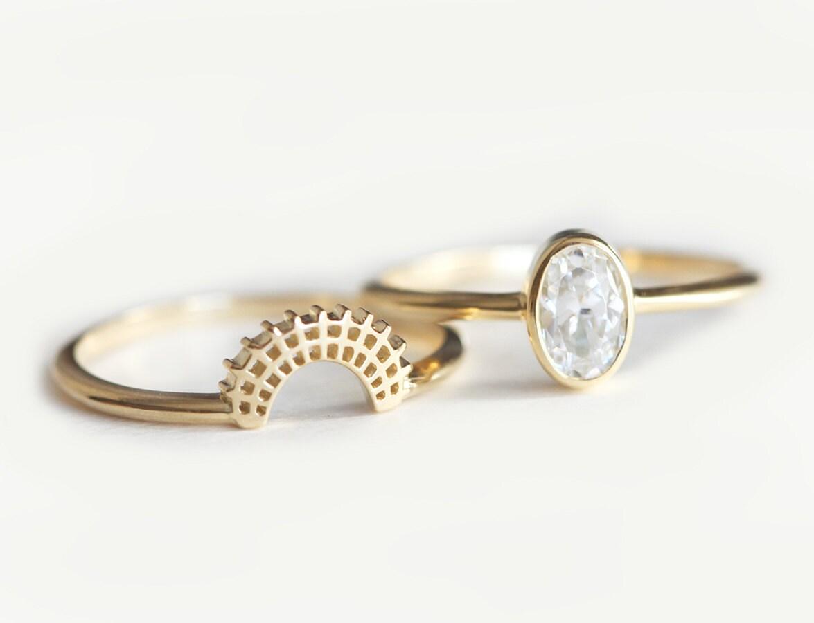 dainty crown ring moonstone wedding ring sets Lace Diamond Wedding Set Oval Diamond Set Oval Diamond Engagement Ring Set Diamond Engagement Ring Set Simple Wedding Set Lace Crown