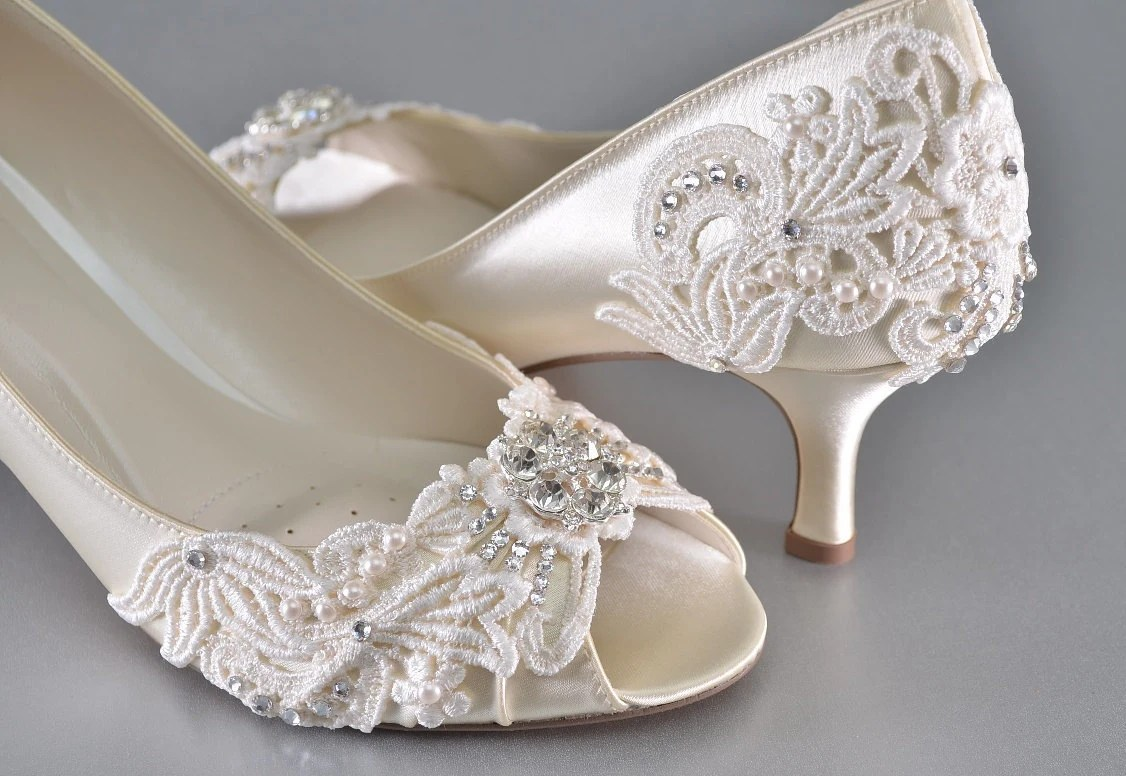 womans low heel wedding shoes womans kitten heel wedding shoes zoom