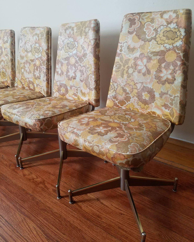 set of 4 vintage douglas furniture swivel kitchen chairs