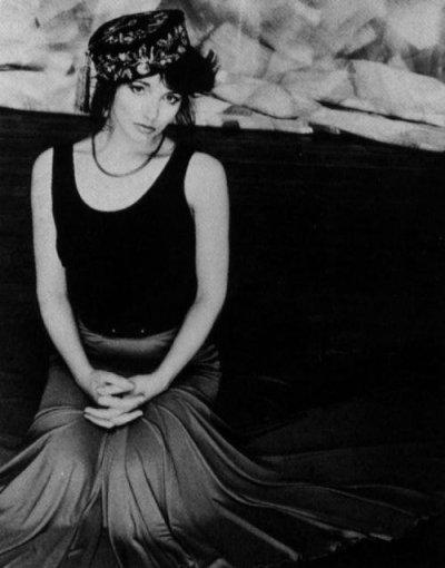 Kate Bush Pictures | MetroLyrics