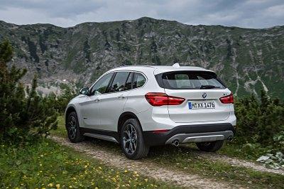 BMW X1 sDrive18i: Tříválcové SUV stojí 763.100 Kč | auto.cz