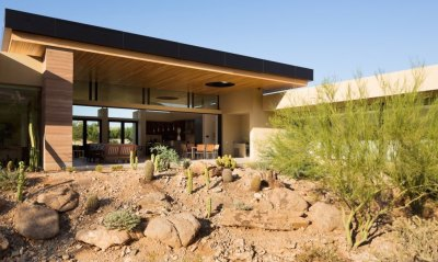 Gorgeous desert home blurs the lines between indoor and ...