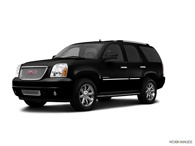 used Onyx Black 2013 GMC Yukon For Sale in Rockville Centre   Lease     2013 GMC Yukon Vehicle Photo in Rockville Centre  NY 11570