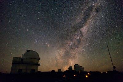 Fondo de pantalla semanal: La Vía Láctea desde La Silla - iPhone Móvil