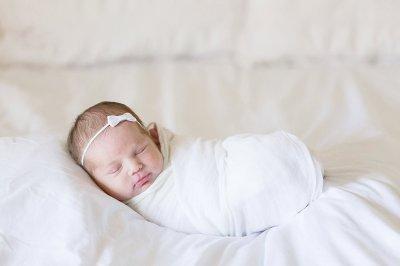 Charlie Jae | A baby girl lifestyle newborn photo ...