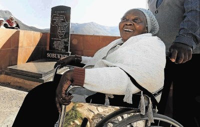 Zondeni Sobukwe, struggle icon and widow of PAC founder, dies