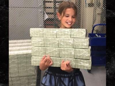 Photo Shows Trump's Grandkid 'Stealing Treasury Money' (Photo)