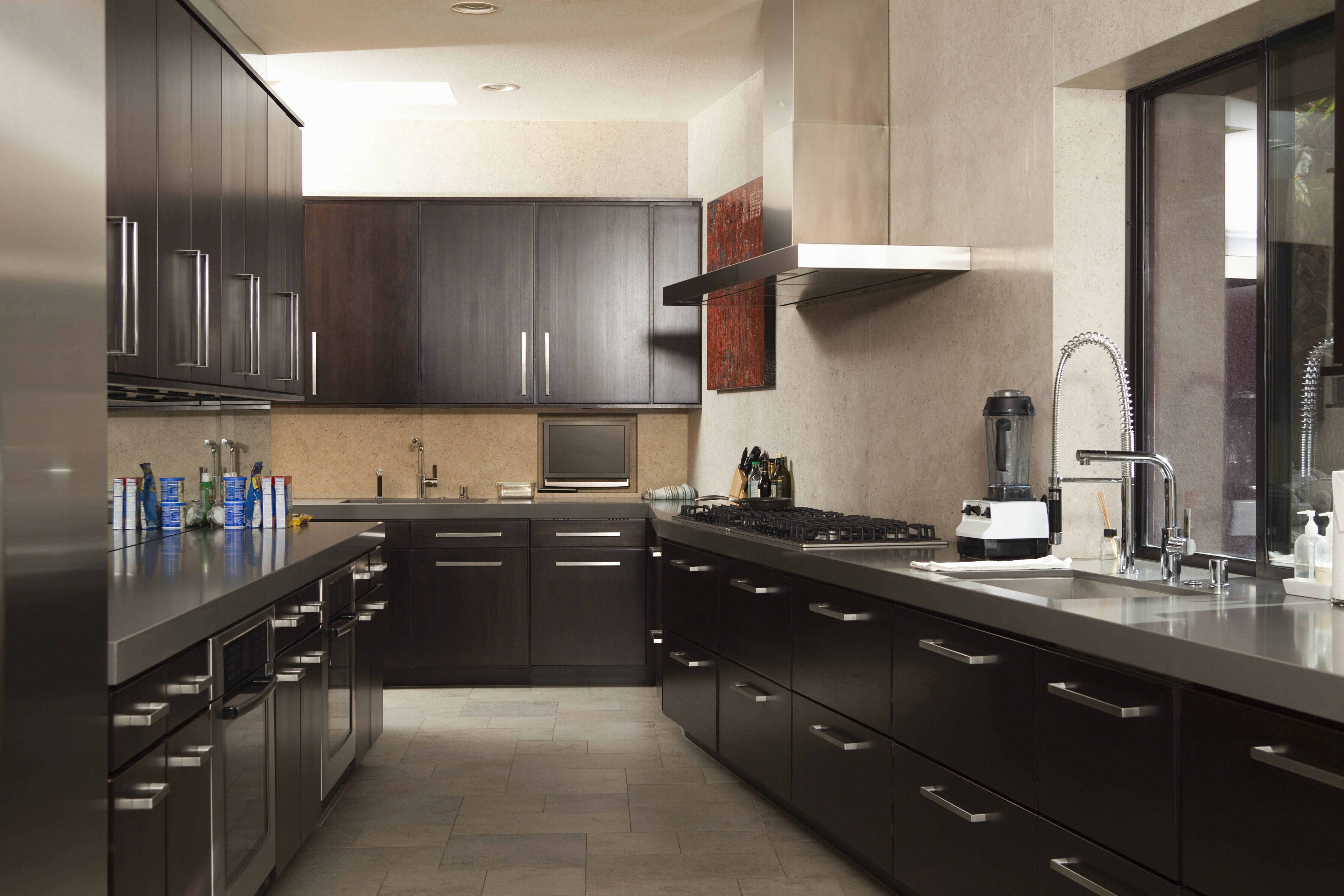 46 gorgeous kitchens with dark cabinets pictures kitchen floor cabinets Semi matte cabinets like these provide some light reflection but a lighter floor