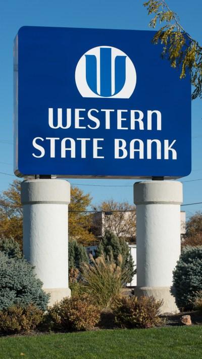 Western State Bank in Garden City, KS - Luminous Neon Art & Sign Systems   Kansas and Missouri ...