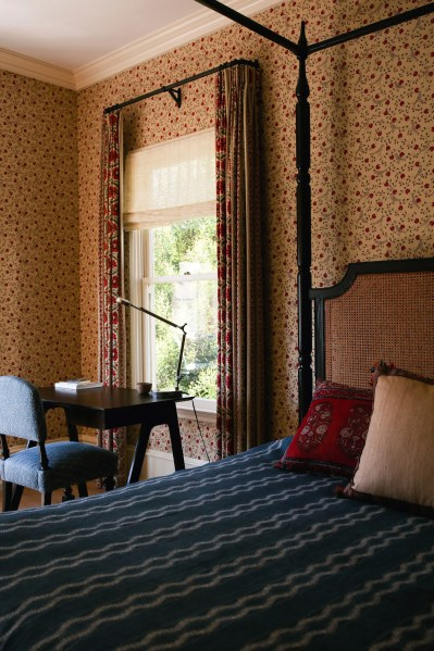 Why Matching Wallpaper and Curtains Always Works | Architectural Digest