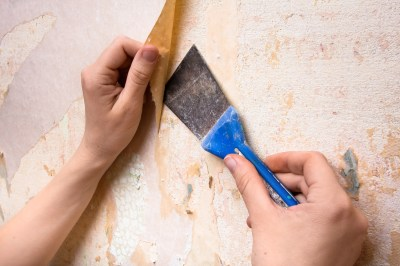 How To Remove Wallpaper Glue in 5 Simple Steps | Architectural Digest