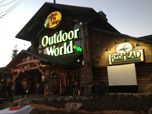 Bass Pro Shops celebrates opening of first Arkansas location | NWADG