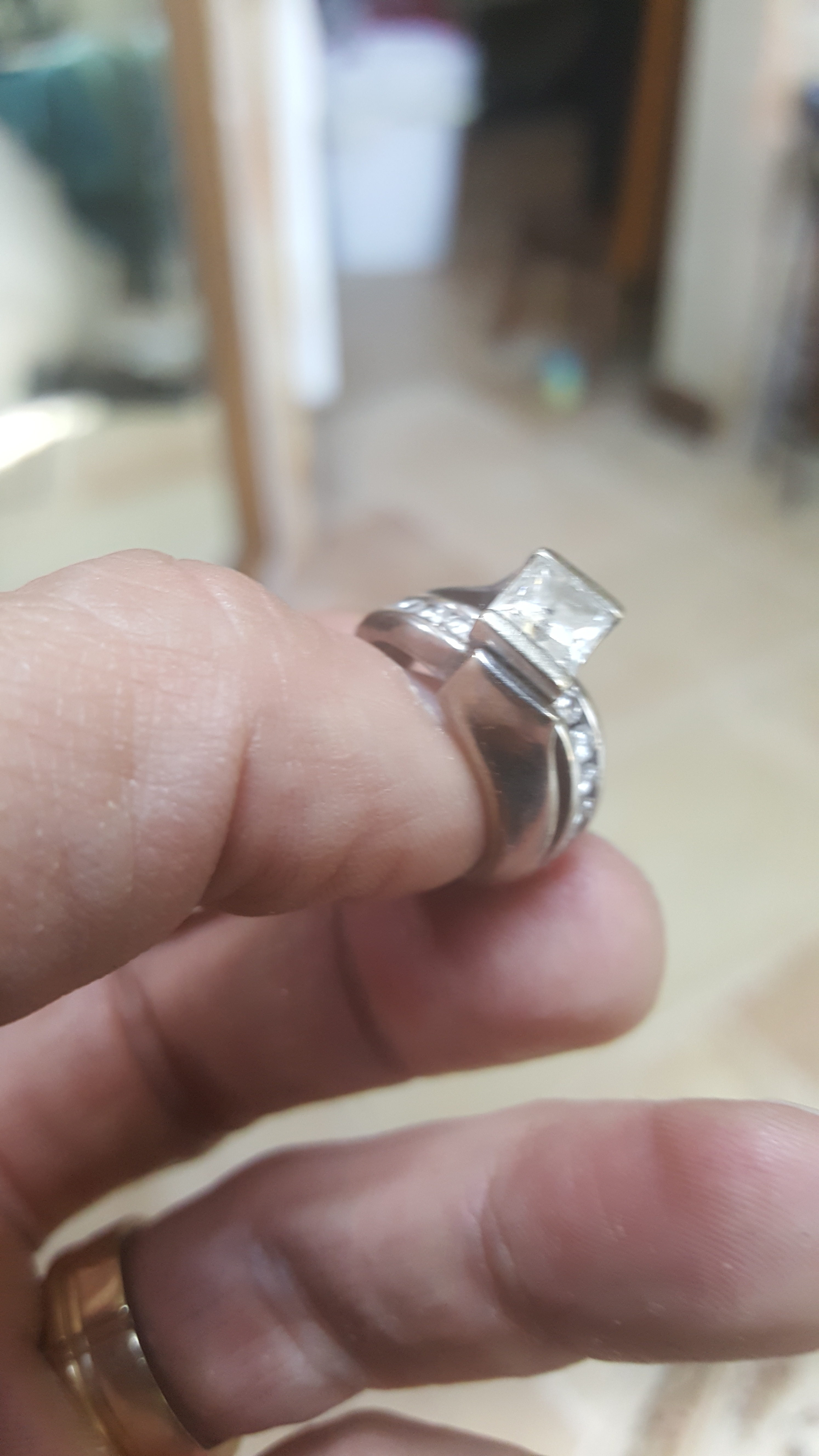 jared the galleria of jewelry jared wedding rings In purchased a beautiful ring with a nice 67 vs2 radiant cut center a Jared s engagement ring with diamond accents Then a few years later