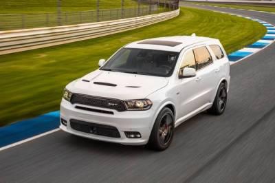 2019 Land Rover Discovery vs. 2019 Dodge Durango