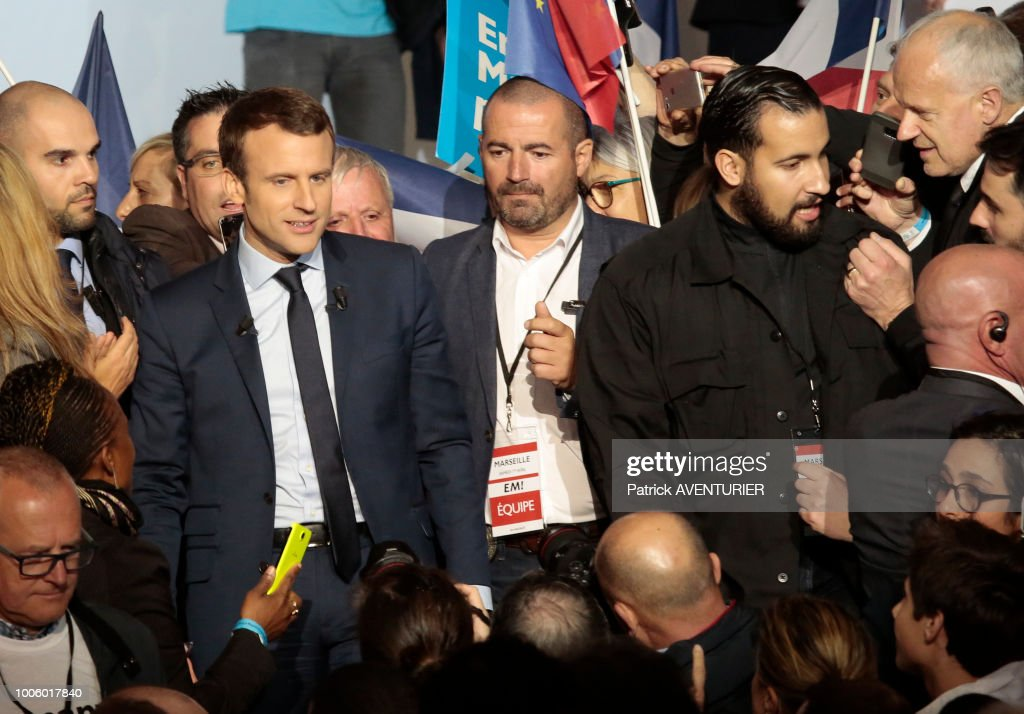 Alexandre Benalla et Emmanuel Macron Pictures   Getty Images Alexandre Benalla with French presidential election candidate for the En  Marche movement Emmanuel Macron gives a