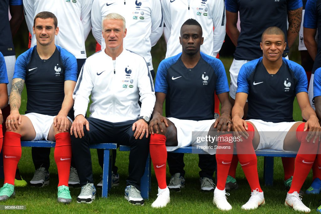 France Soccer Team   Official Presentation Ahead Of 2018 FIFA World     France s national football team players  L R  Antoine Griezmann  head coach  Didier Deschamps