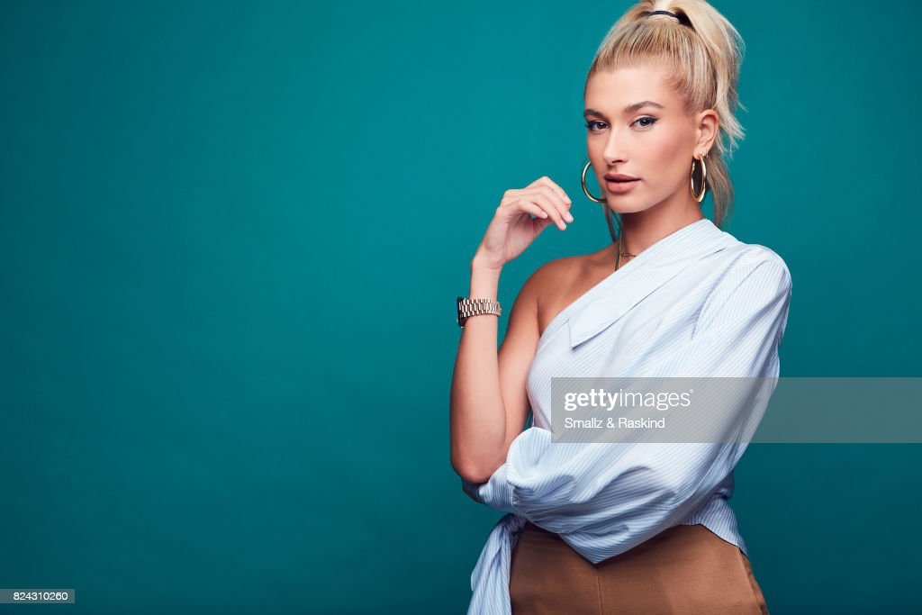 Hailey Baldwin Photos     Images de Hailey Baldwin   Getty Images Host Hailey Baldwin of Turner Networks  TBS Drop the Mic  poses for a  portrait