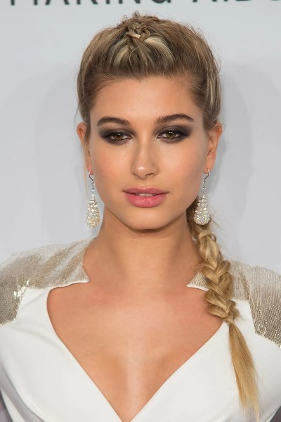 Hailey Baldwin Is Signed to IMG Models | Glamour