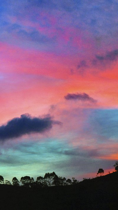 Wallpapers of the week: the colorful sky