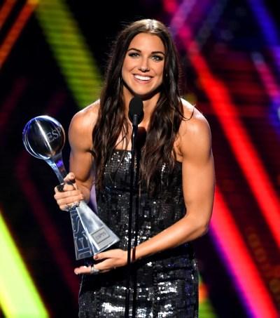 Alex Morgan ESPYs 2019 Best Female Athlete Speech | POPSUGAR Fitness Australia